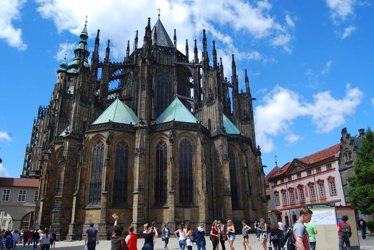 st vitus cathedral medieval prague