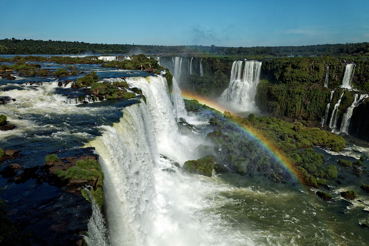 iguazu falls devils throat rainbow photo