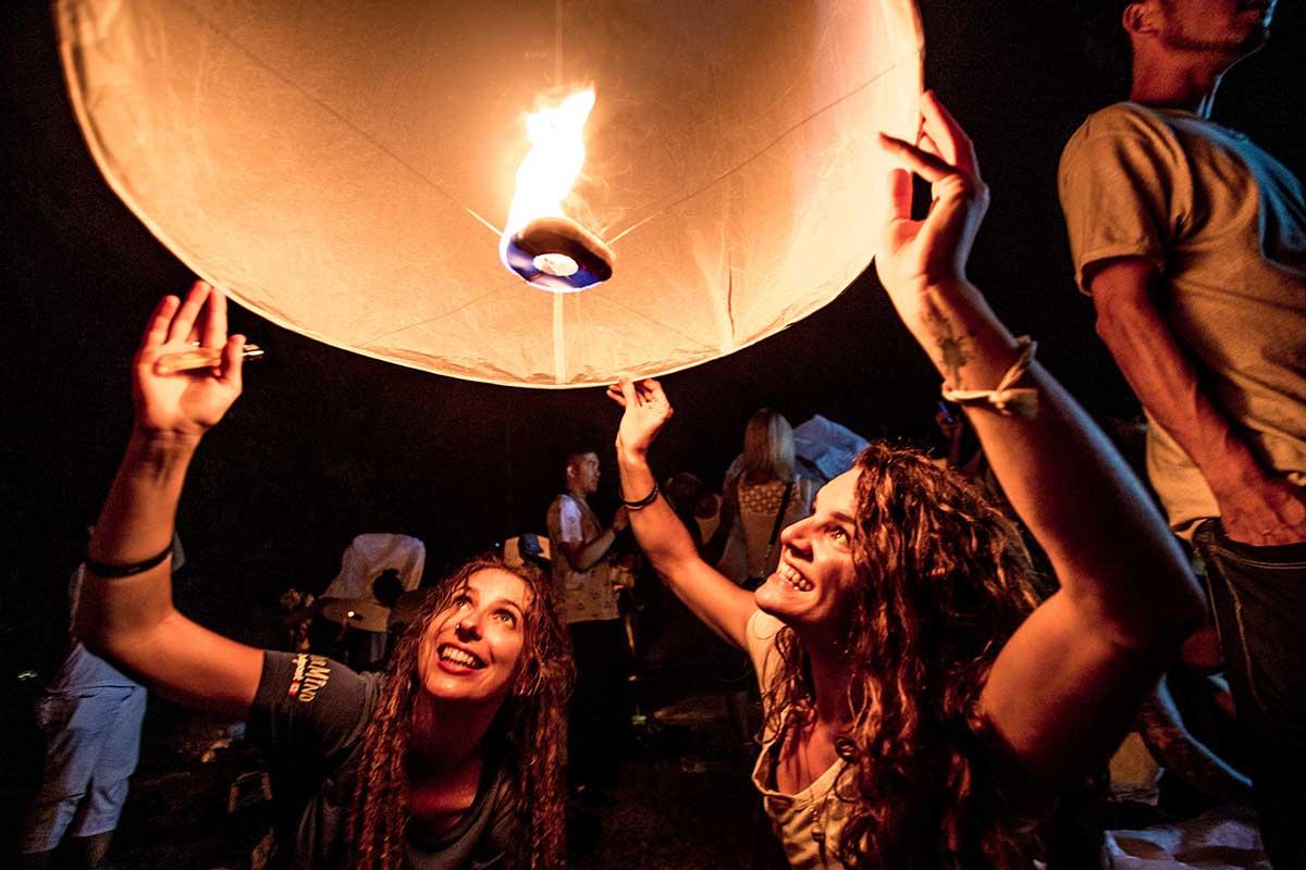 yi peng lantern fest