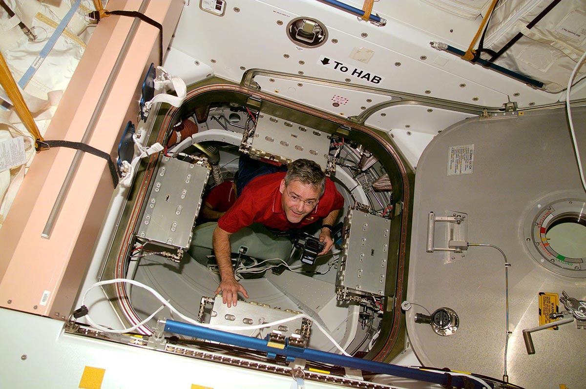 marc garneau astronaut