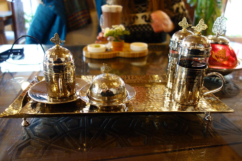 safranbolu turkey tea serving