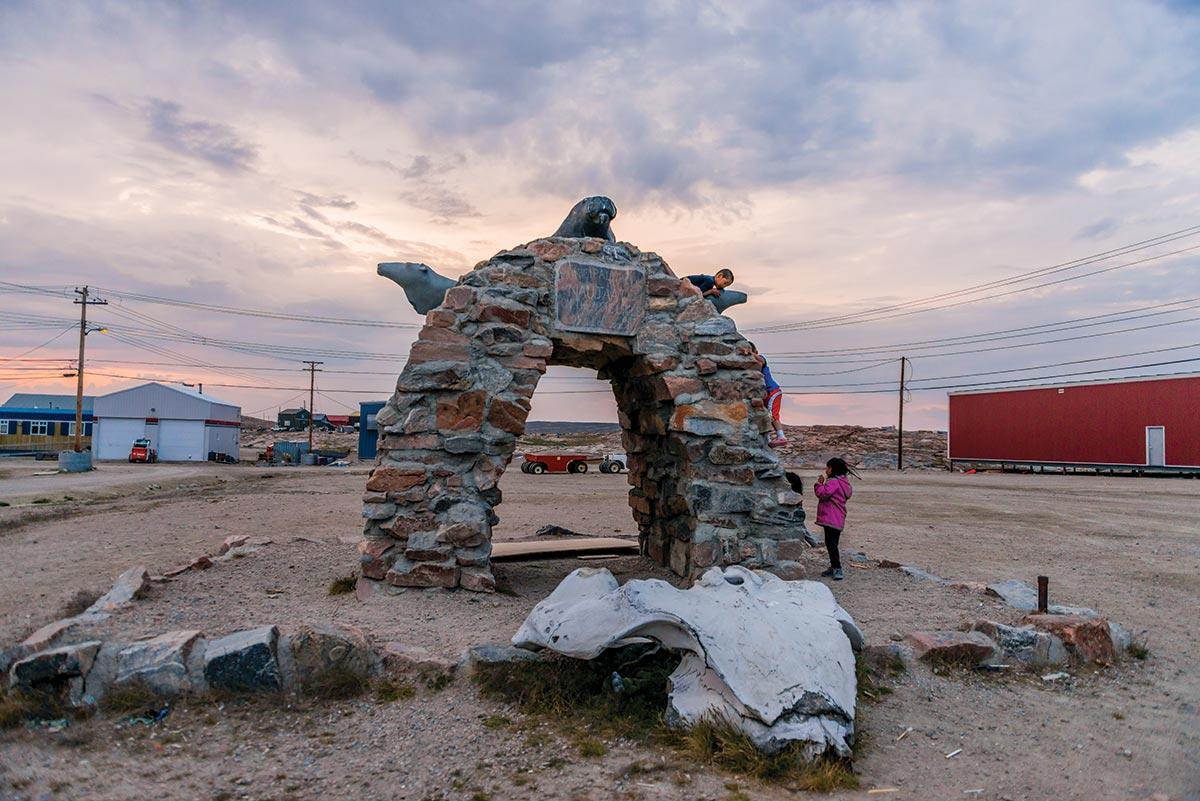 kivalliq inuit art