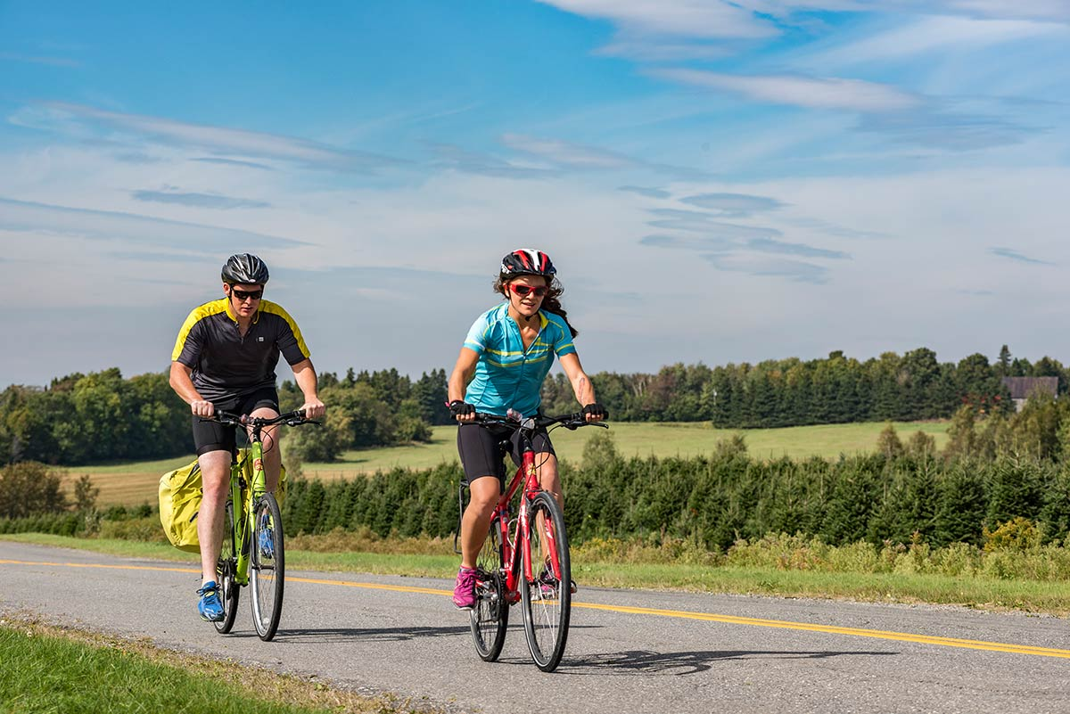 quebec self-guided cycling tour