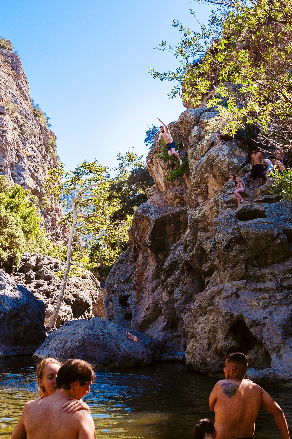 malibu state park cliff jump