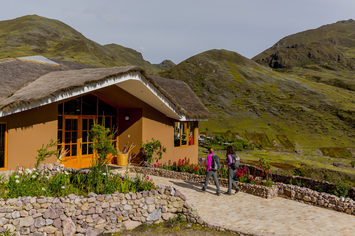 mountain lodges of peru discount