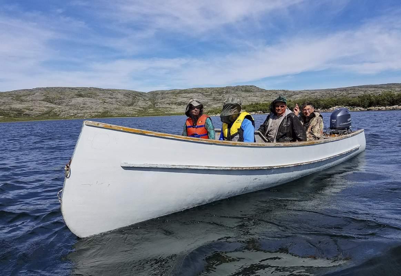 Great Canadian Wildlife Adventures _ cariboo migration Nunavik _ caneoing