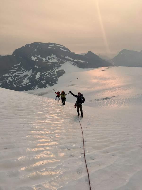 Yamnuska-Women's-Mountaineering-Intro-tour-10